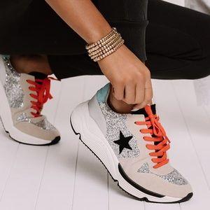 🌟New🌟 White Raven Quincy Glitter Sneaker